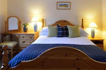 Drumcroy Lodges bedroom 1